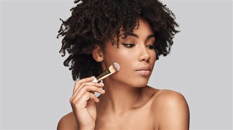 How to Apply Makeup When You Have Dry Skin - L'Oréal Paris