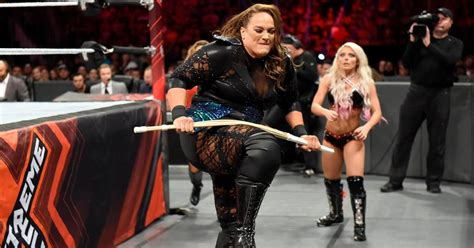 Nia Jax is now publicly threatening to knock Ronda Rousey